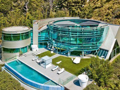 """La casa en la que vivió Justin Bieber: un """"escurridor de ensalada"""" y otras comparaciones hilarantes"""
