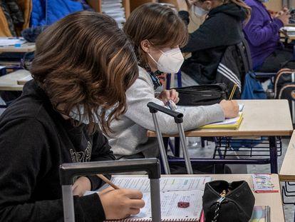 Estudiantes de sexto de primaria del colegio público Mare Nostrum de Valencia, el pasado febrero.