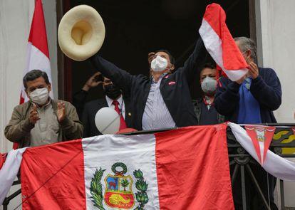 Perú: Pedro Castillo se adjudicó victoria en elecciones presidenciales