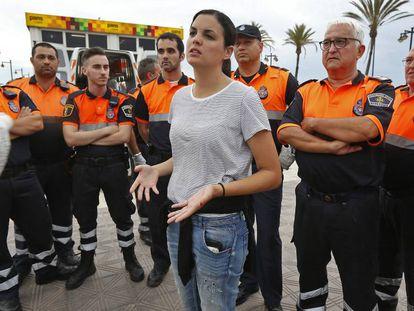 Sandra Gómez, en el centro, en junio de 2015.