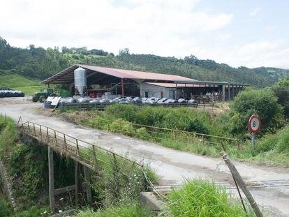 Puente en Serdio (Cantabria), origen de un incidente entre los vecinos y la Guardia Civil.