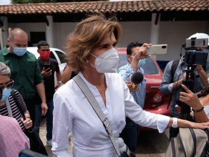 Cristiana Chamarro, la precandidata presidencial, tras acudir a la Fiscalía de Nicaragua.