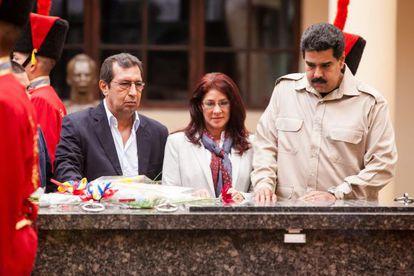 Adán Chávez, Cilia Flores y Nicolás Maduro.