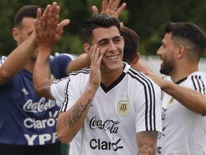 Cristian Pavón, durante un entrenamiento con Argentina.