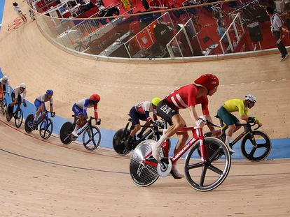 Lasse Hansen, de Dinamarca, en acción camino del oro con Michael Morkov.