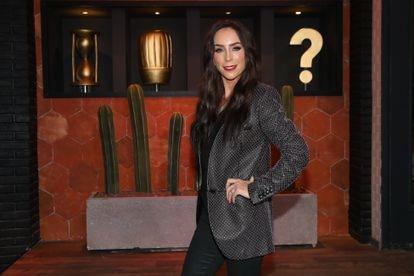 Inés Gómez Mont posa para las fotos durante una conferencia de prensa en 2019-