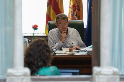 Ximo Puig durante la preparación del debate de política general este sábado.