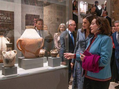 La reina Letizia conversa con la presidenta de la Fundación Doctora Leila Mezian, este jueves en la exposición 'La Granada zirí y el universo bereber', en el Palacio de Carlos V de la Alhambra.