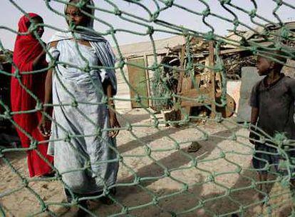 Pobladores de una aldea de Nuakchot, en Mauritania.