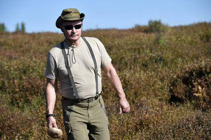 Una foto del presidente ruso Vladimir Putin durante sus vacaciones en el sur de Siberia, hace dos días
