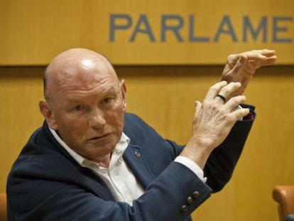 Juan José Ibarretxe ha comparecidoen la ponencia de autogobierno, en el Parlamento.