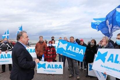 Alex Salmond, durante un acto electoral en Aberdeen el 1 de mayo.