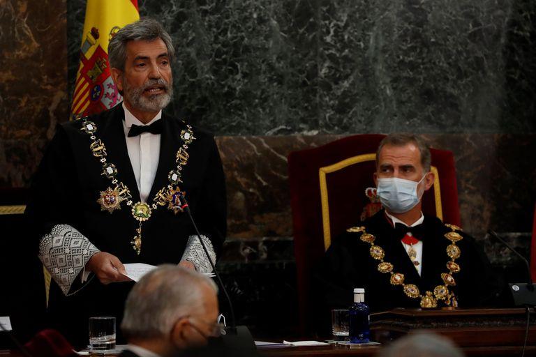 El presidente del Consejo General del Poder Judicial (CGPJ), Carlos Lesmes, interviene en presencia del rey Felipe VI, al inicio del acto de inauguración del año judicial, el pasado 7 de septiembre.
