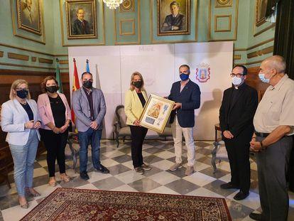 La alcaldesa de Motril, Luisa García Chamorro, en un acto el jueves 7 de octubre, en una imagen difundida por el PP de la localidad andaluza.