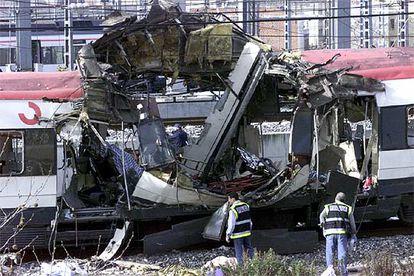 Uno de los trenes de cercanías, tras el atentado terrorista en la estación de Atocha.