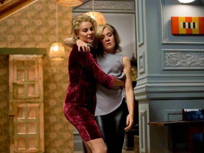 Belén Rueda y María Pujalte en 'La noche que mi madre mató a mi padre''.
