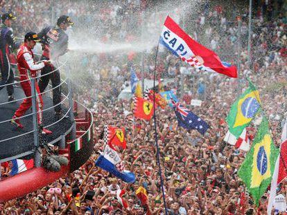 Vettel, Webber y Alonso, con el público de Monza.