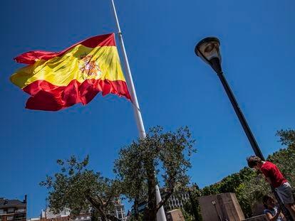 Una bandera española en la Plaza de Colón, en Madrid.