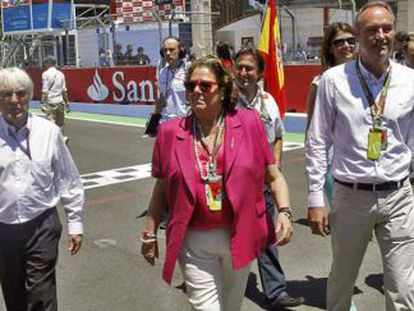Bernie Ecclestone, con Rita Barberá y Alberto Fabra, durante el último Gran Premio en Valencia.