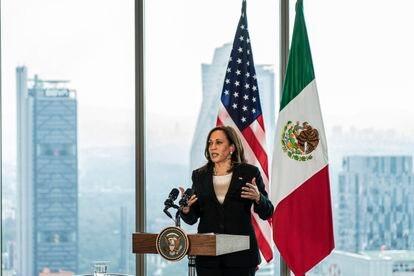 La vicepresidenta de Estados Unidos, Kamala Harris, ofreció una conferencia con los medios de comunicación en el hotel Sofitel en Ciudad de México.
