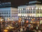 DVD 1032 (19-12-20)Aglomeraciones en el centro de Madrid.En la foto, la Puerta del Sol, con muy poca gente debido a los controles de la policia municipal. Foto: Olmo Calvo