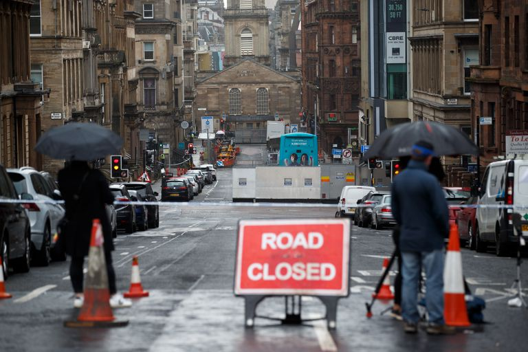 Una calle acordonada cerca del hotel de Glasgow en el que tuvo lugar el ataque el pasado viernes.