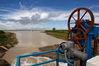 Sistema de riego en el Guadalquivir.
