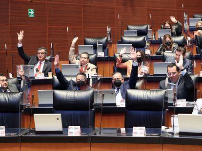 Los senadores aprobaron esta madrugada de miércoles la Ley de Ingresos, en Ciudad de México.