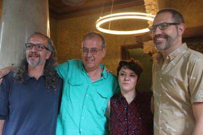 Roc Parés (izquierda), Antoni Abad, Mery Cuesta y Manuel Forcano, durante la presentación del pabellón catalán para la Bienal de Venecia 2017.