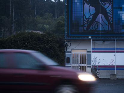 Club de alterne próximo a Padrón (A Coruña) cerrado por las medidas de confinamiento del Estado de Alarma por el coronavirus.