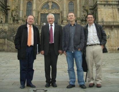 Los fundadores de Mestrelab junto al Nobel de Química Richard Ernst, en una visita que este realizó a Santiago de Compostela. De izquierda a derecha: Javier Sardina, Richard Ernst, Carlos Cobas y Santiago Domínguez.
