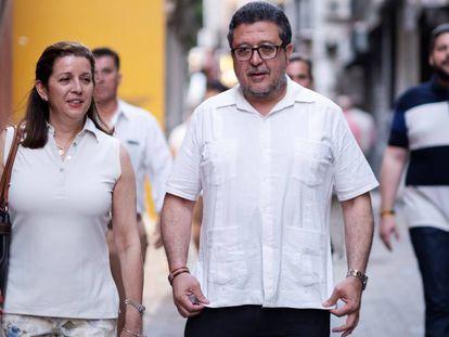 El líder de Vox en Andalucía, Francisco Serrano, y la diputada María José Piñero, en una imagen del pasado mayo.