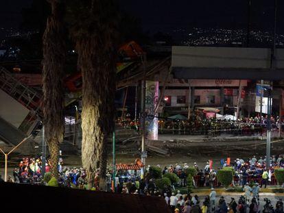 El tramo elevado de la línea 12 del metro de Ciudad de México, momentos después del accidente. En vídeo, el derrumbe de la estructura.