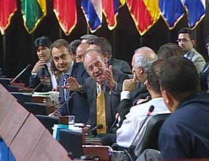 El rey Juan Carlos manda callar al presidente de Venezuela, Hugo Chávez, el 10 de noviembre de 2007 en la Cumbre Iberoamericana celebrada en Chile.