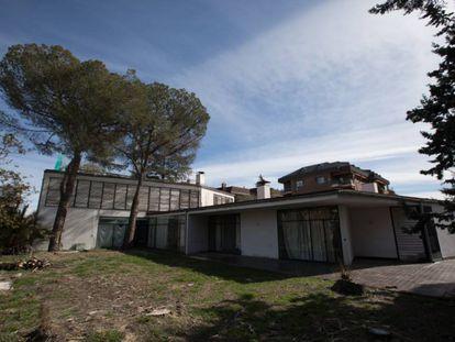 Aspecto actual de la casa Vallet de Goytisolo, obra de 1958 del arquitecto catalán José Antonio Coderch, situada en Arturo Soria.