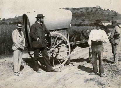 Archer Huntington viajando por España en 1892, impresión a la albúmina.
