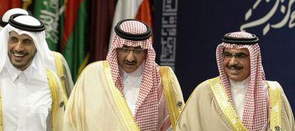 De izquierda a derecha, los ministros del Interior de Catar, Bahrein y Arabia Saudí.