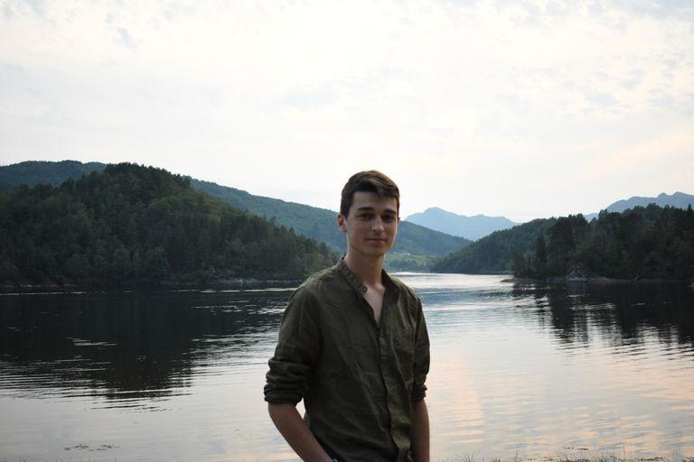 El joven activista medioambiental Alejandro Quecedo en Flekke, Noruega.