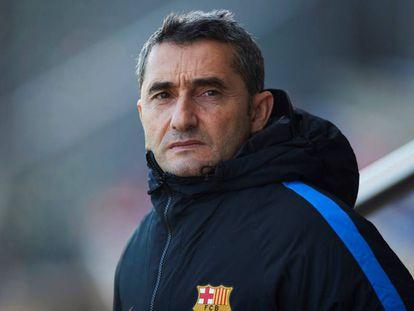 Ernesto Valverde, en el entrenamiento del Barcelona.
