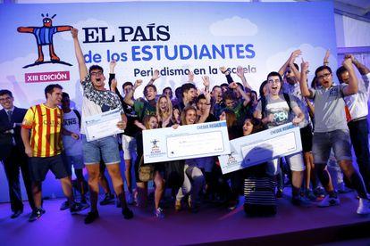 Alumnos del colegio Goya de Terrassa, ganadores del segundo premio a Mejor Periódico, en la decimotercera edición de EPE.