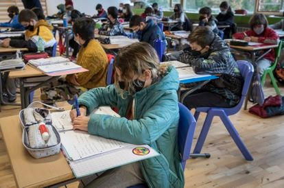 Una clase de un instituto de Valencia en enero.