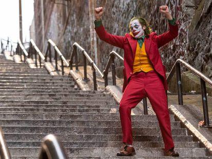Joaquin Phoenix baila en 'Joker', León de Oro en la Mostra de Venecia.