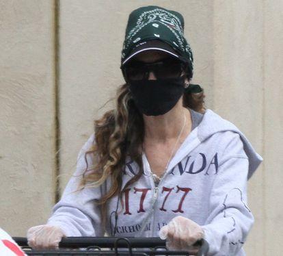 La actriz Sarah Jessica Parker, haciendo la compra en Nueva York.