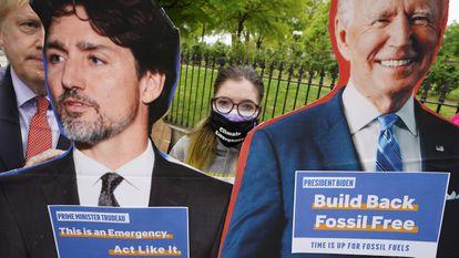 Imágenes Trudeau y Biden durante una protesta contra el cambio climático celebrada un día antes de la cumbre climática virtual celebrada en Washington el 21 de abril de 2021