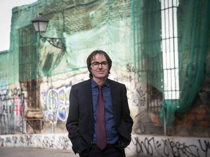 El escritor y poeta Vicente Valero, en Madrid en febrero de 2020.