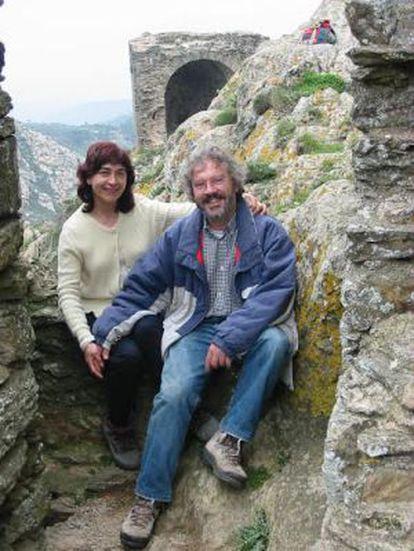 Esteve Masó y su esposa, Marta Borrell, en el monasterio de Sant Pere de Rodes (Gerona) en 2006.