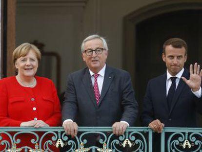El presidente de la Comisión cita a los líderes de ocho Estados miembros, entre ellos España, Grecia e Italia.