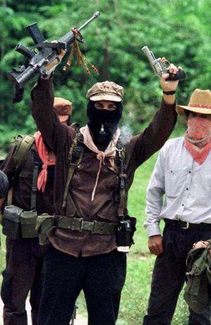 Marcos, justo antes de entregar las armas para asistir a los diálogos de paz en 1996