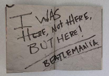 'Beatlemania', un pequeño graffiti en la pared exterior de los Abbey Road Studios.