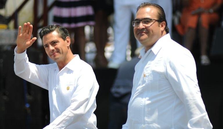 Enrique Peña Nieto, presidente de México; y Javier Duarte de Ochoa, gobernador del estado; encabezaron la ceremonia conmemorativa a la gesta heroica del puerto de Veracruz.